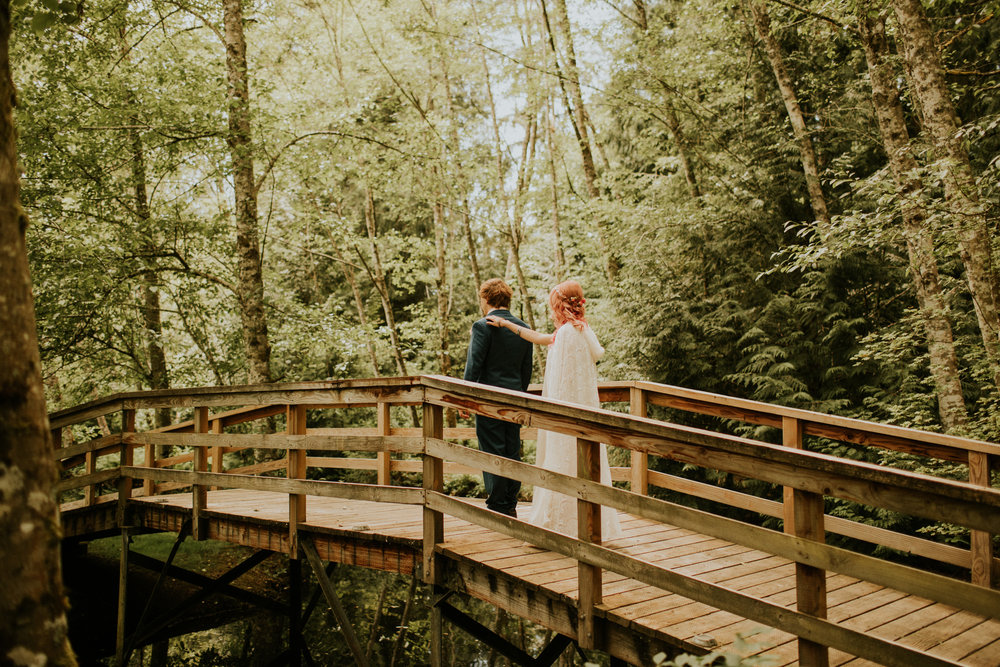 Pnw elopement pagan intimate wedding photography