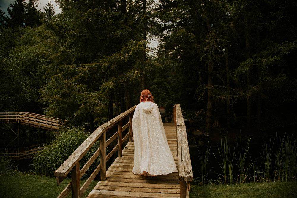 pnw-elopement-photographer-cedar-springs-breeanna-lasher