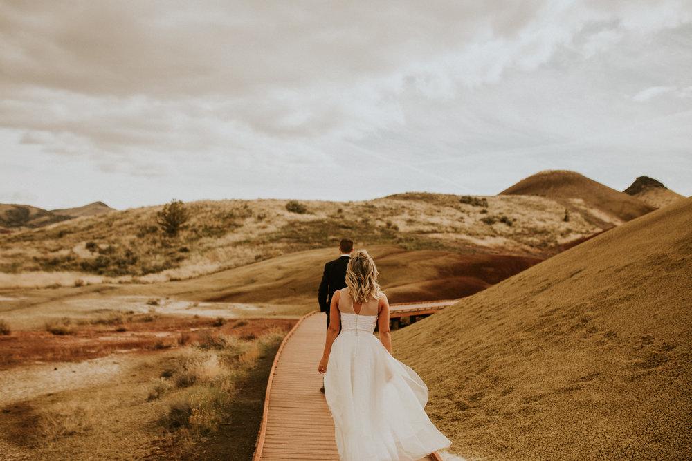 painted hills elopement