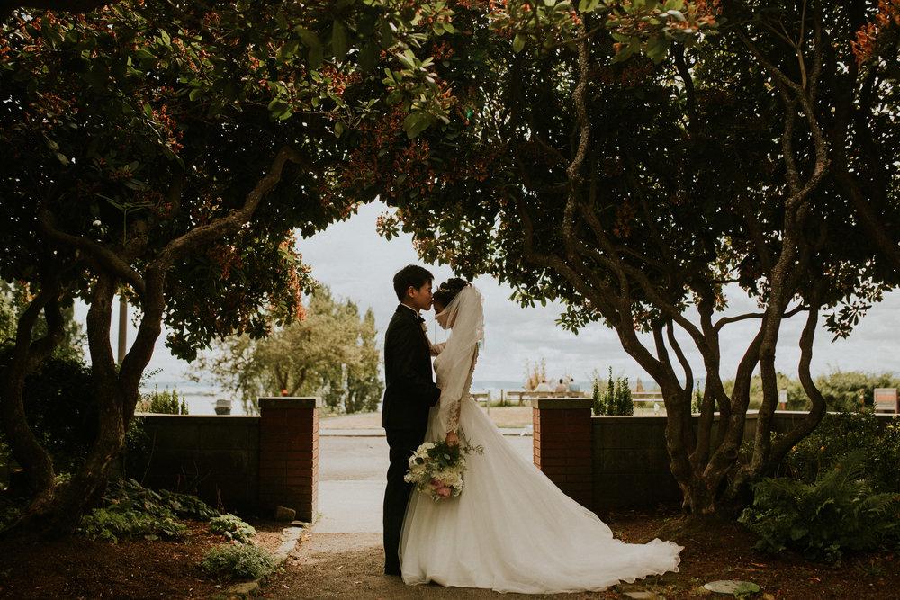 parons garden elopement small intimate wedding aisian