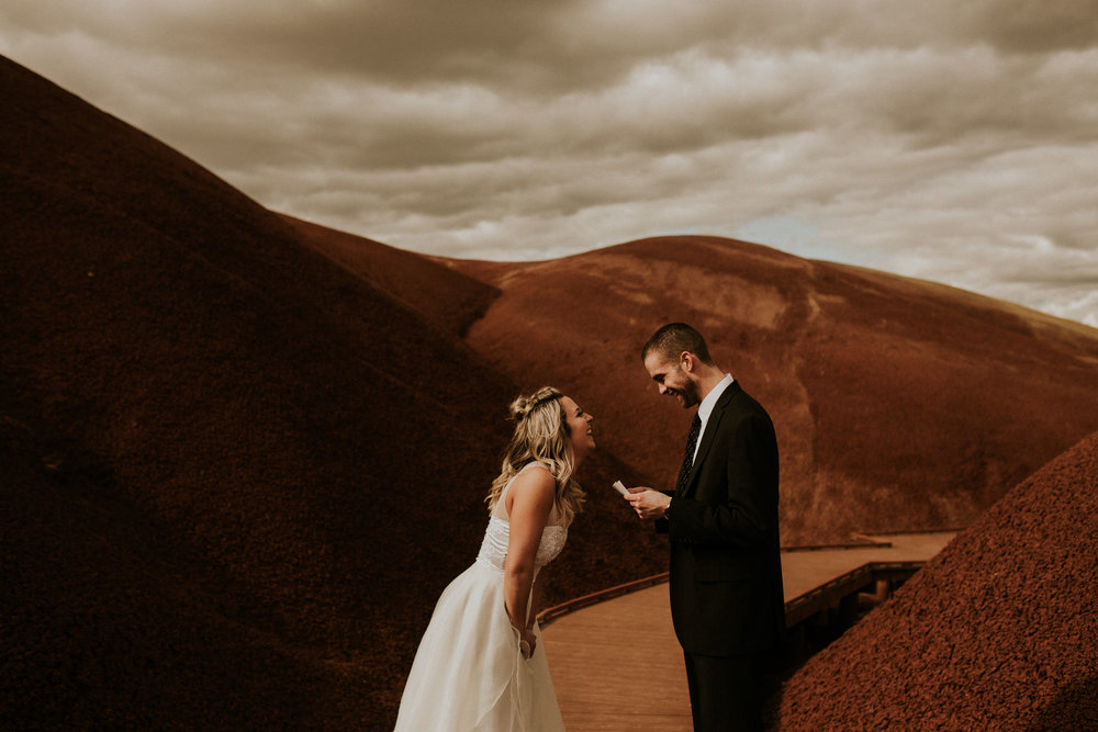 Painted-hills-elopement-photographer-170.jpg