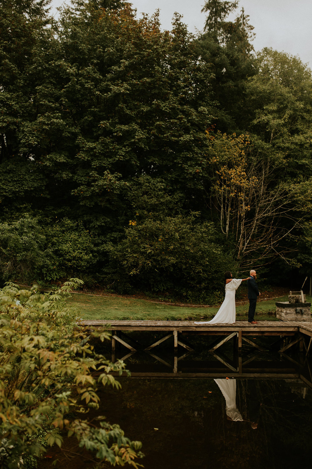 Lakeside-elopement-teasers-7.jpg