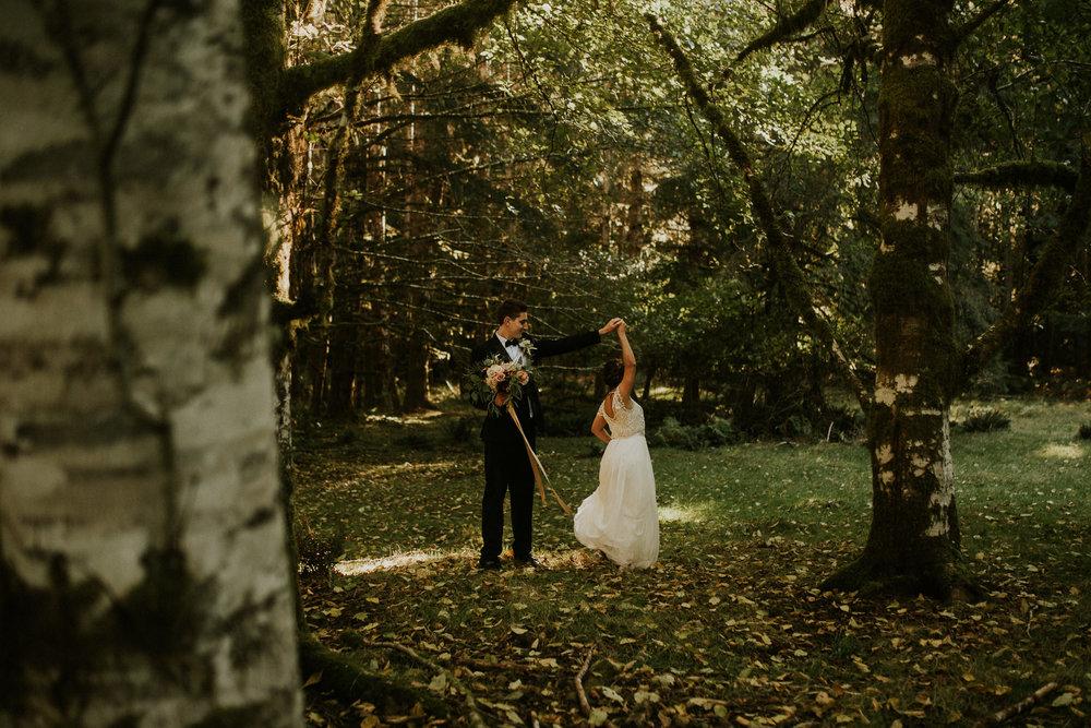 Cresent-lake-elopement-BreeAnna-Lasher-29.jpg