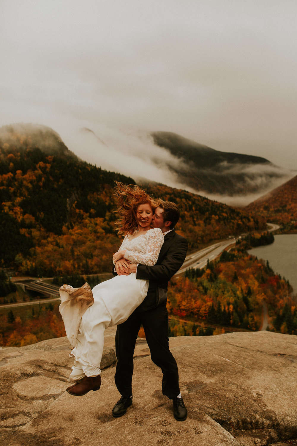 Artists-bluff-elopement-new-hampshire-breeanna-lasher-7.jpg