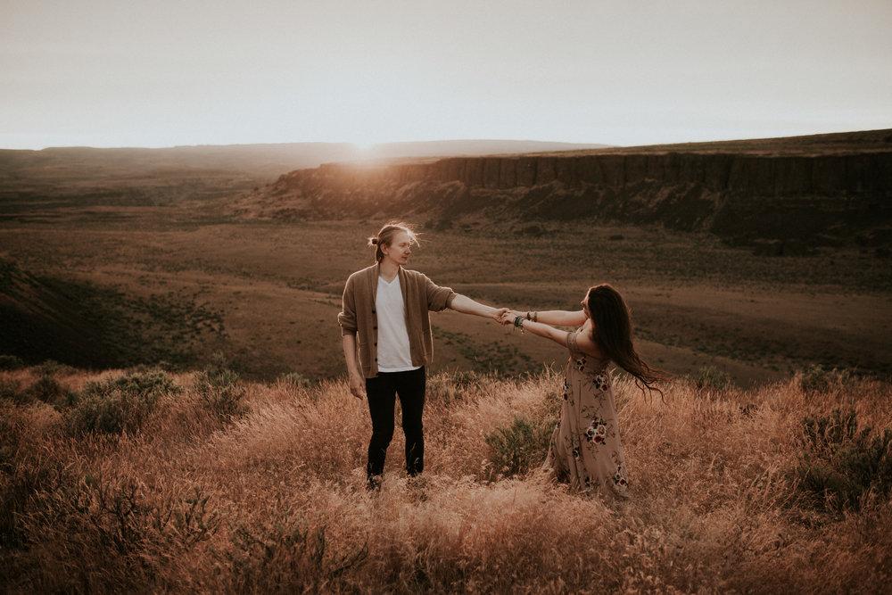 Desert couple -24.jpg
