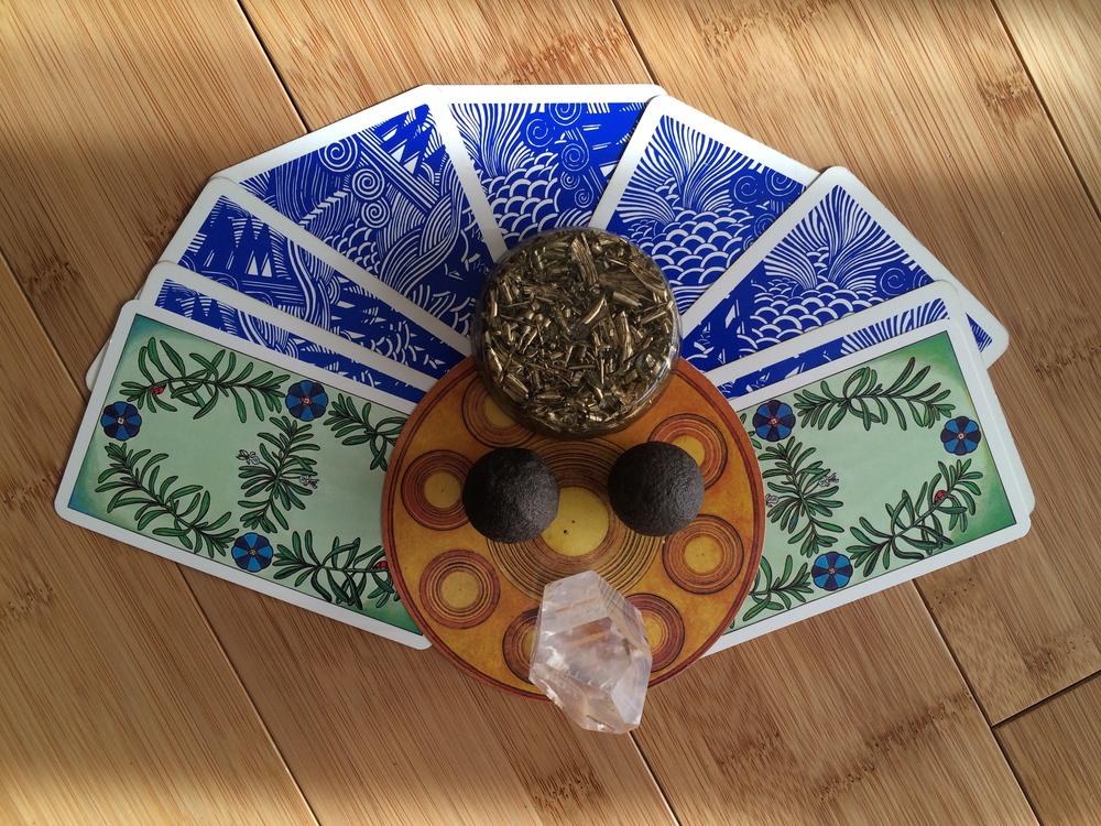 Cards:  Motherpeace deck ,  Aquarian deck,   The Herbal Tarot  Gems & Stones:  AKAIDA  orgonite, moqui balls, Atlantean quartz