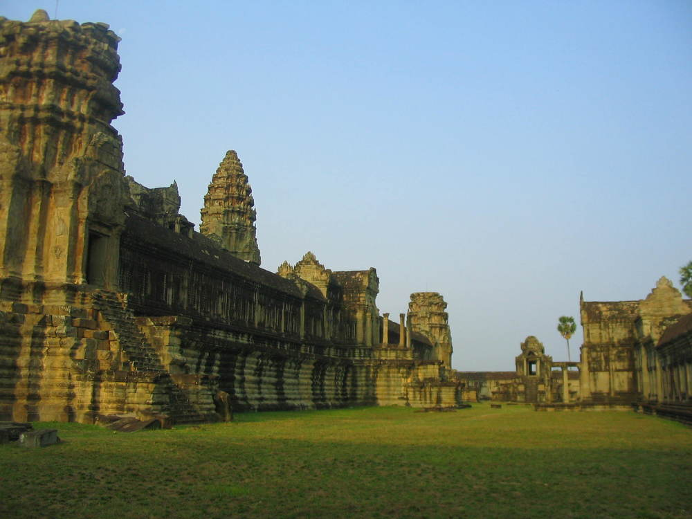 Angkor Wat grounds.JPG
