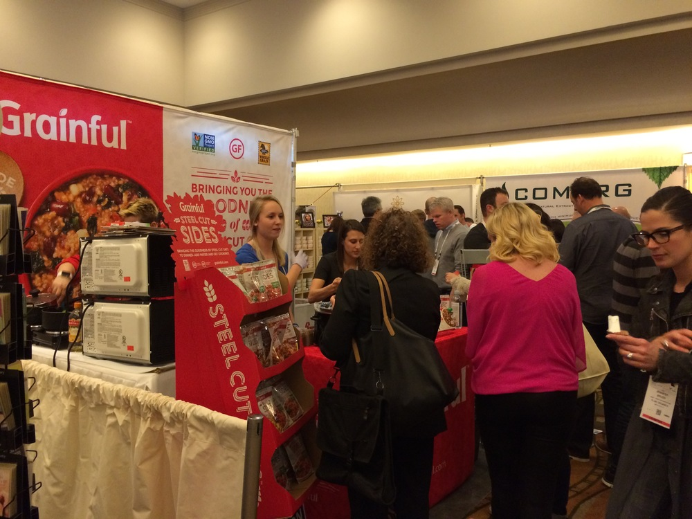 People lining up to try some Grainful samples!
