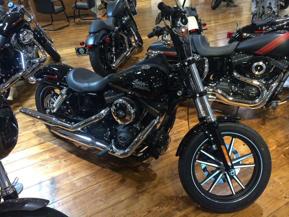 "…but I think I'd hafta go with the new Street Bob 1200.  Here comes Chris… ""Hey Brett, wanna taker out on a ride?"""
