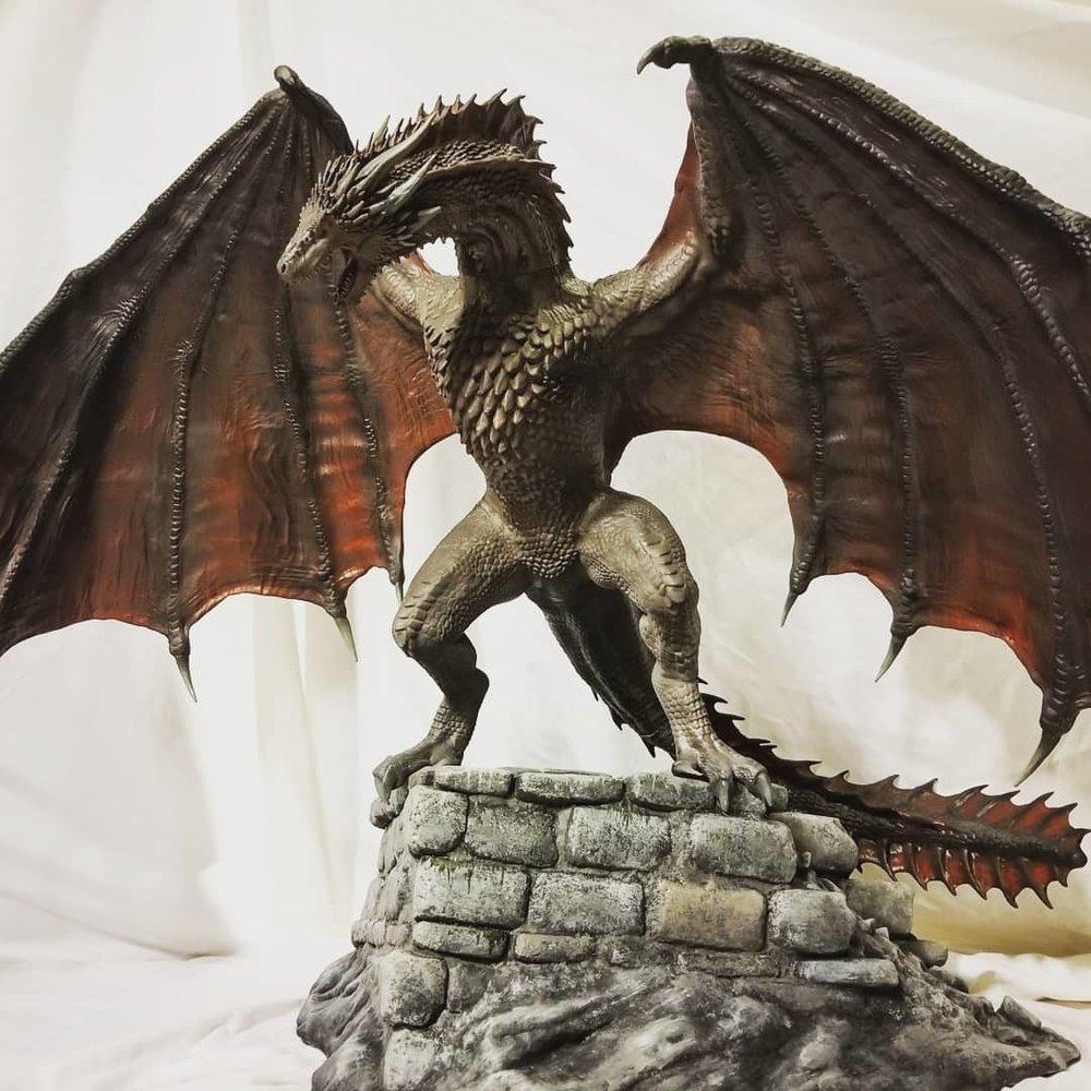 - Scale Model Dragon
