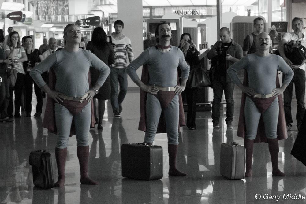 Actors Porto airport.jpg