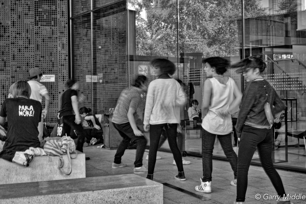 Santiago dancing teenagers.jpg