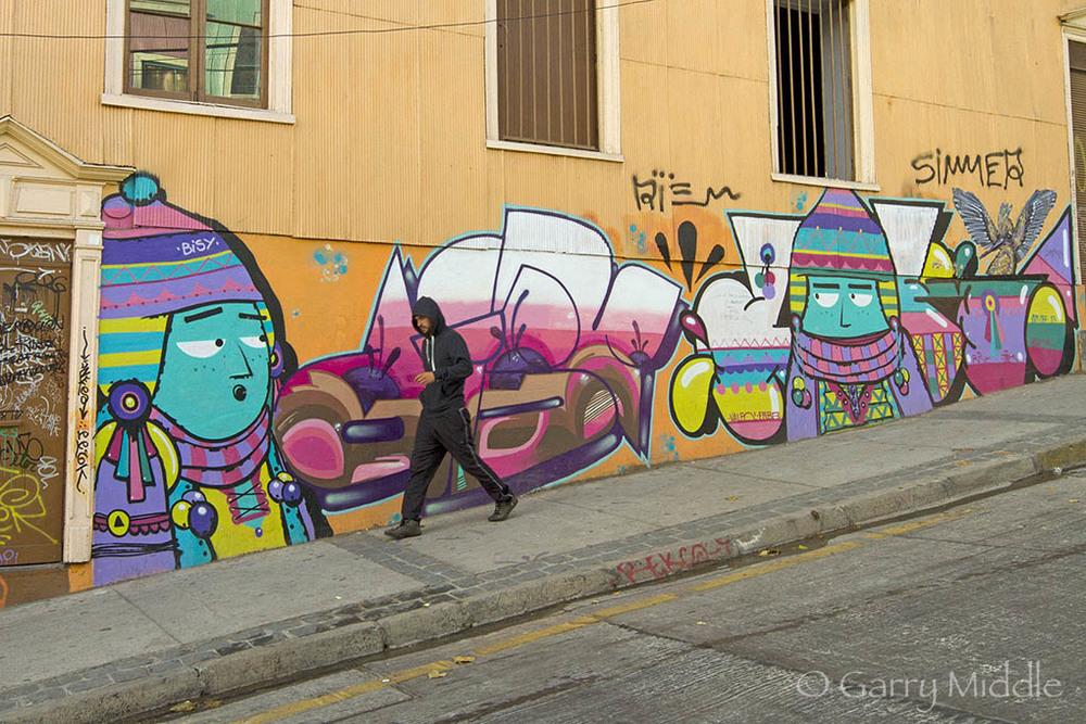 Valparaíso Art 10 & people.jpg