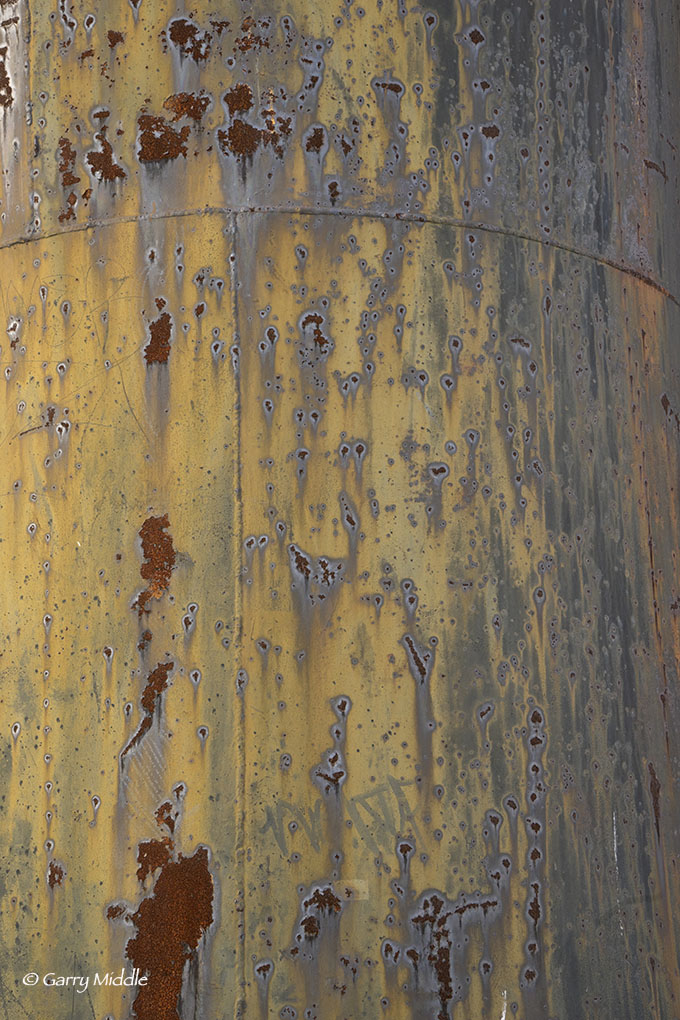 Rusty tank.jpg