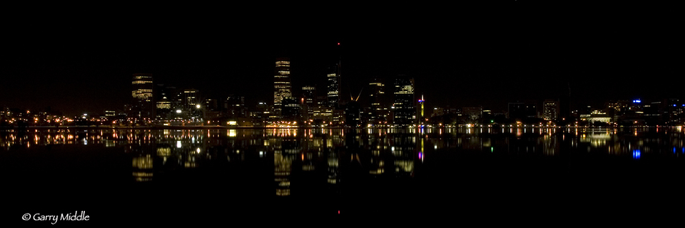 Perth CBD night wide 2.jpg