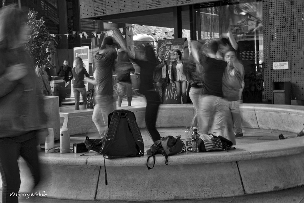 Santiago dancing teenagers 3.jpg