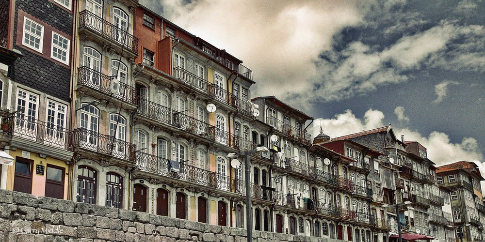 Porto buildings 1_edit.jpg