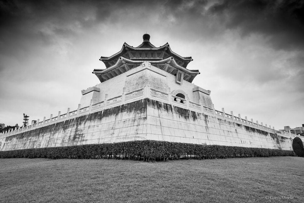 Small_Copyright_National Chiang Kai-shek Memorial Hall_2_B&W.jpg