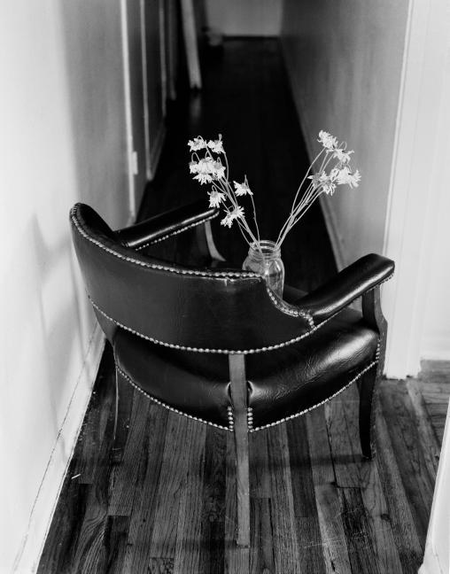 flowerschair_01b.jpg