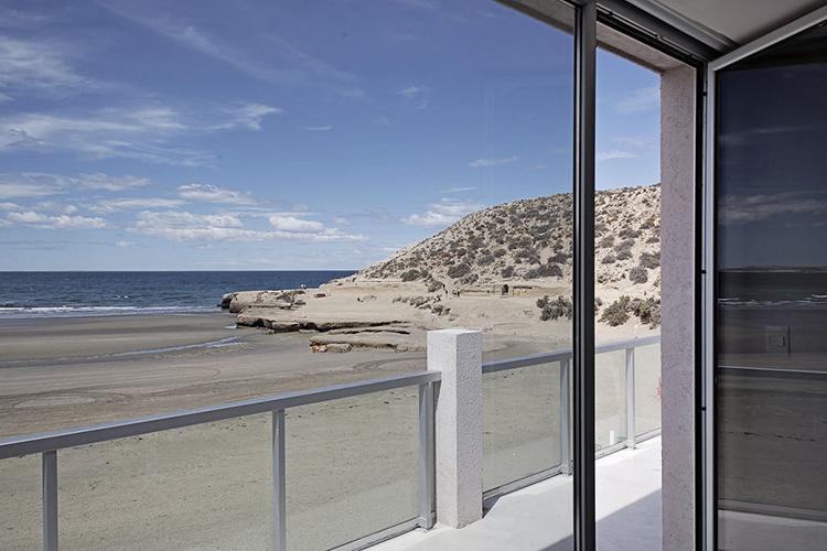 ThePerfectHideaway_OceanoPatagonia01.jpg