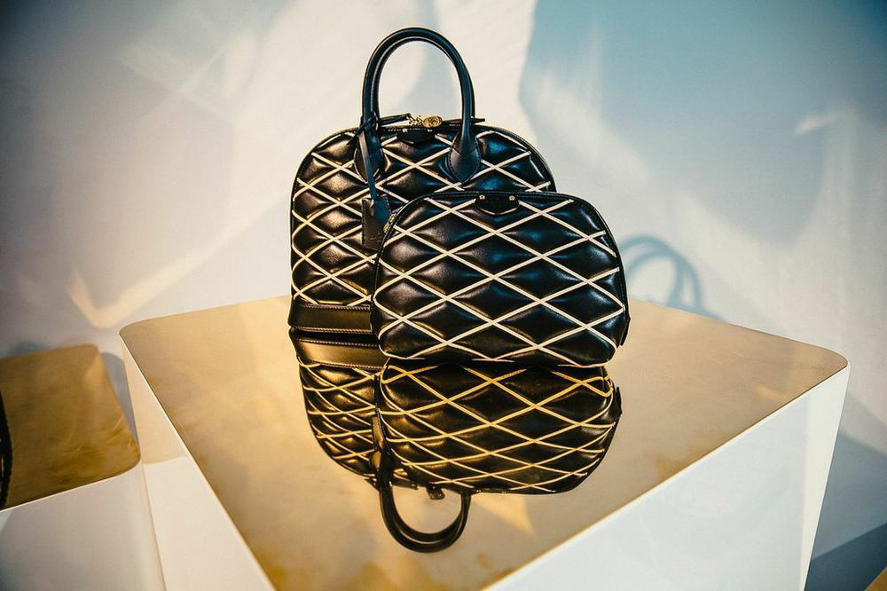"Louis Vuitton ""Series 1 -That was then, this is now""-5"