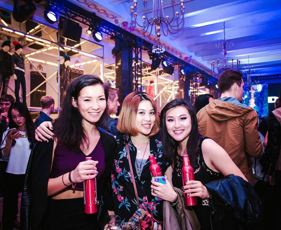 Stella Karlsen, Kennifer Wang & Hanna Oh