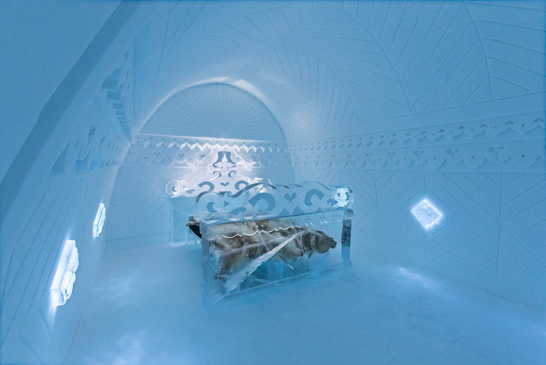 a-look-inside-the-art-suites-at-the-25th-icehotel-6.jpg