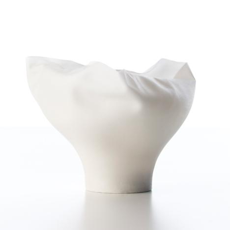 dezeen_Shivering-Bowls-by-Nendo_2sq.jpg