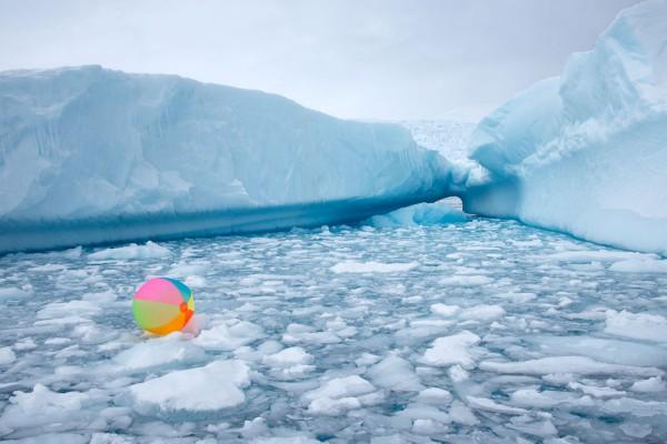 Gray-Malin-Neon-Beach-Ball-Icebergs-600x400.jpg