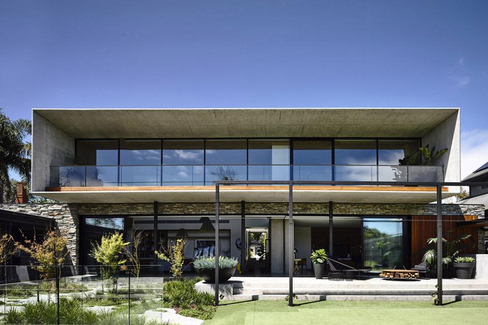Matt-Gibson-concrete-house-2-960x640.jpg