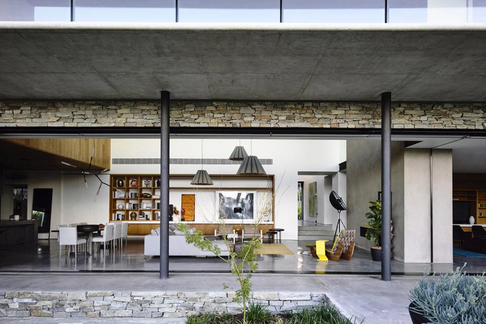 Matt-Gibson-concrete-house-6-960x640.jpg