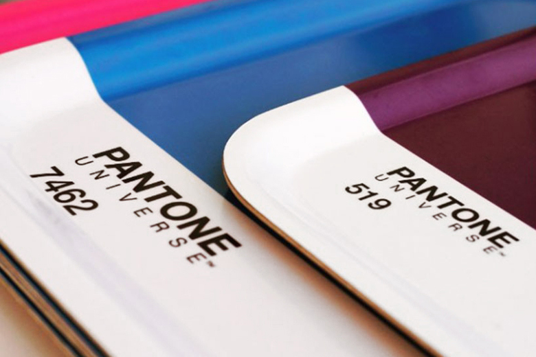 pantone-opens-pop-up-cafe-with-color-coordinated-snacks-8.jpg