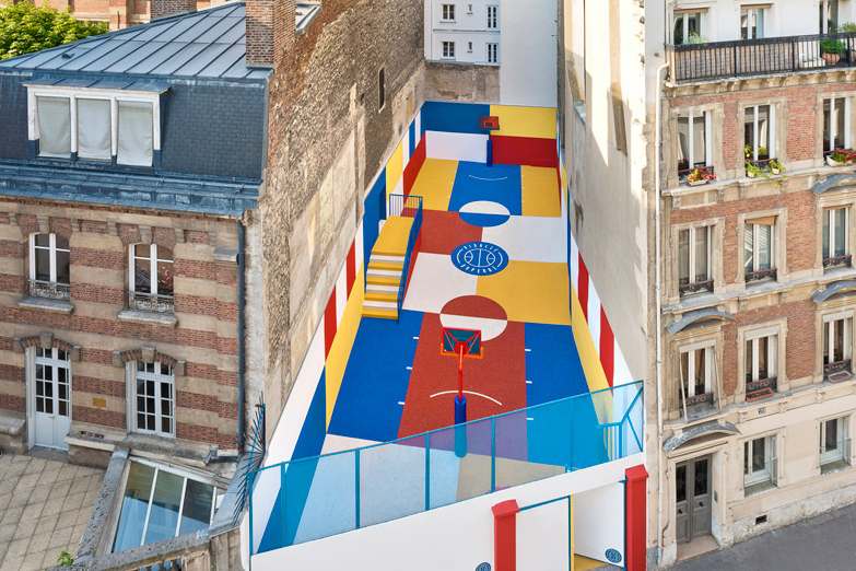 pigalle-creates-a-colorful-basketball-court-between-paris-apartments-09.jpg