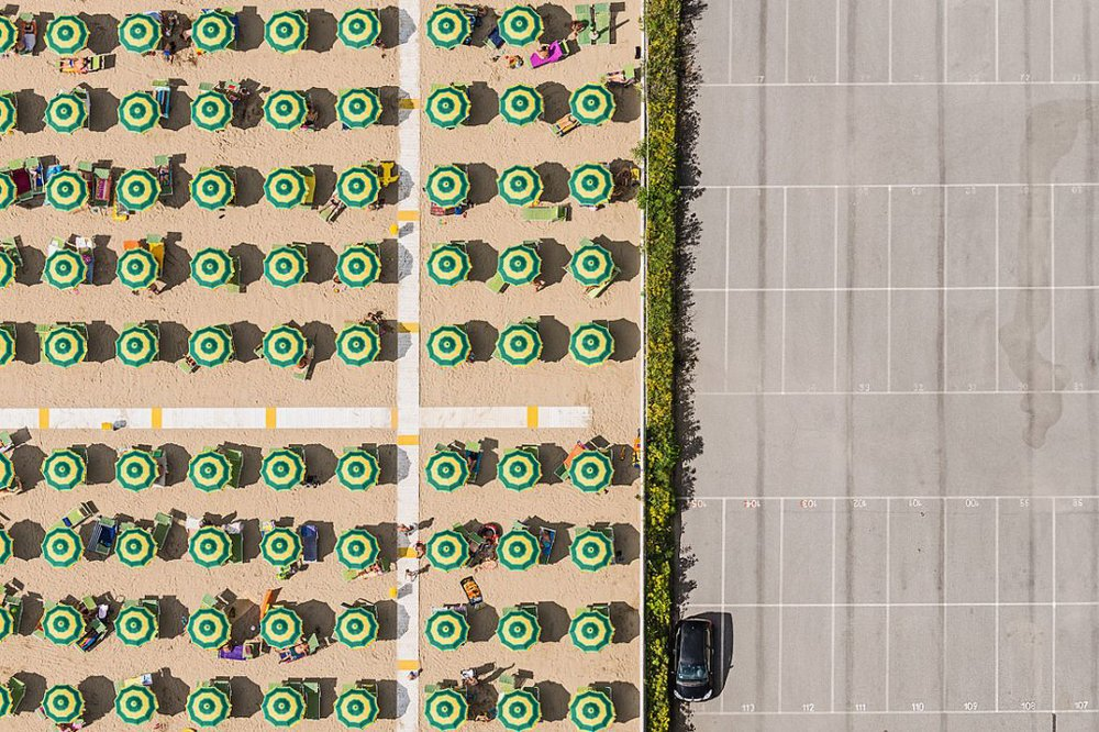 bernhard-lang-presents-a-new-series-of-symmetrical-aerial-shots-7.jpg