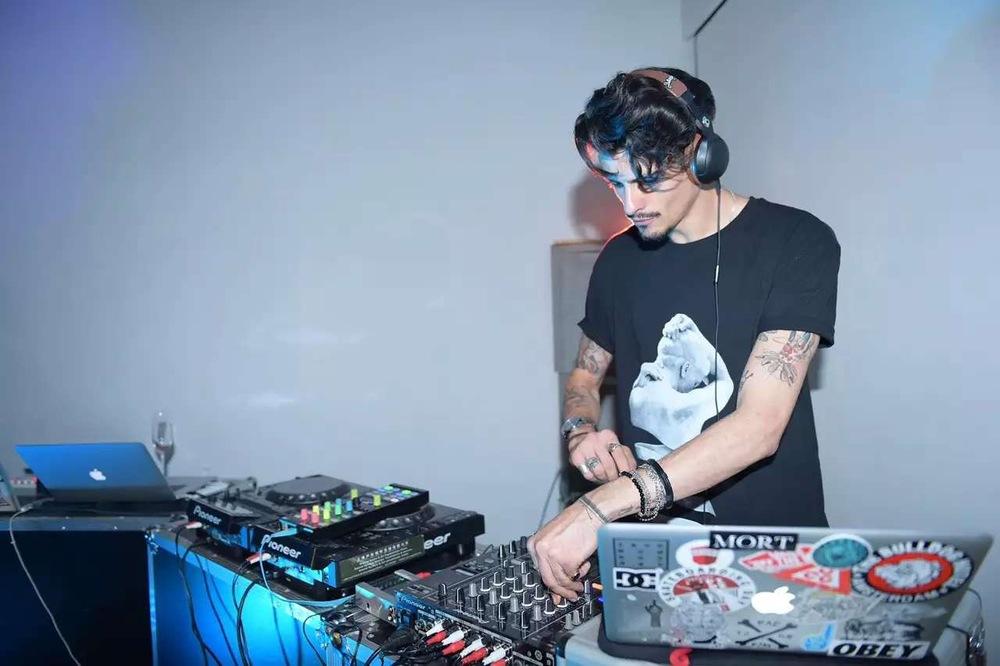 DJ Costin
