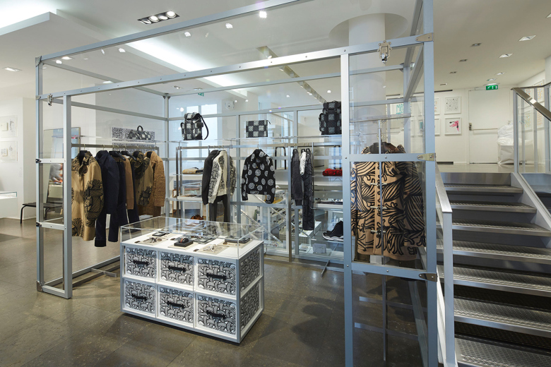 louis-vuitton-x-colette-2015-2016-fall-winter-mens-pop-up-store-in-paris-3.jpg