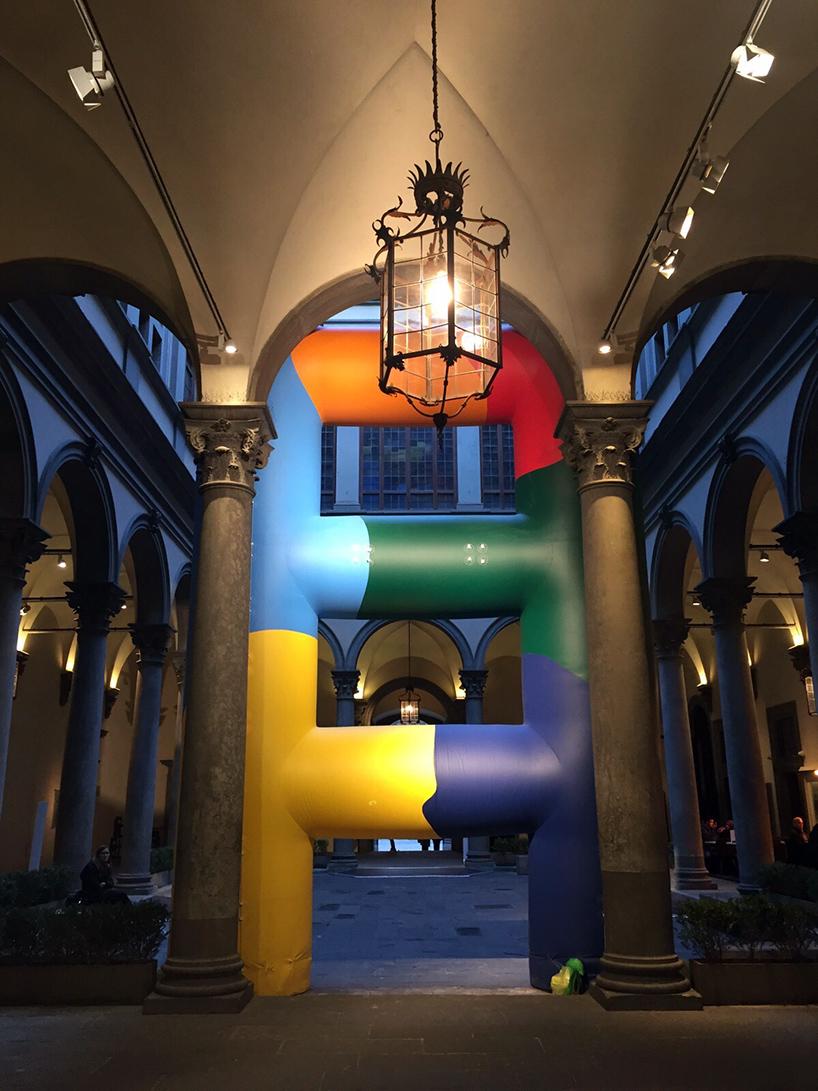paola-pivi-palazzo-strozzi-florence-italy-ladder-galerie-perrotind-designboom-01.jpg