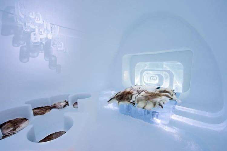 'love capsule' by luc voisin & mathieu brison