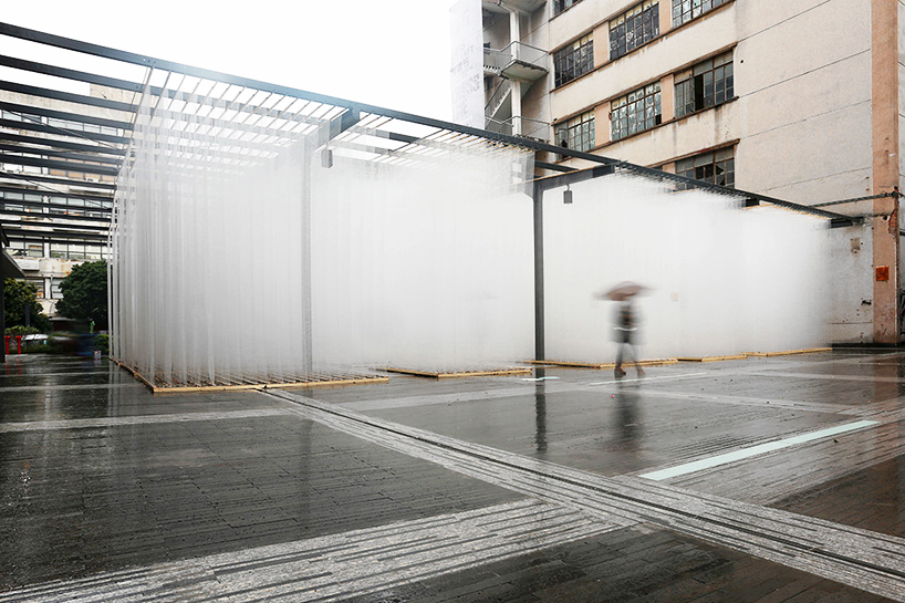 deve-build-architecture-the-fading-past-glass-fiber-net-installation-shenzhen-designboom-01.jpg