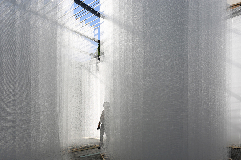 deve-build-architecture-the-fading-past-glass-fiber-net-installation-shenzhen-designboom-04.jpg