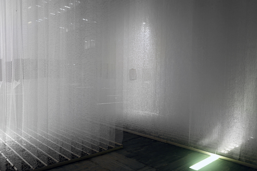 deve-build-architecture-the-fading-past-glass-fiber-net-installation-shenzhen-designboom-07.jpg