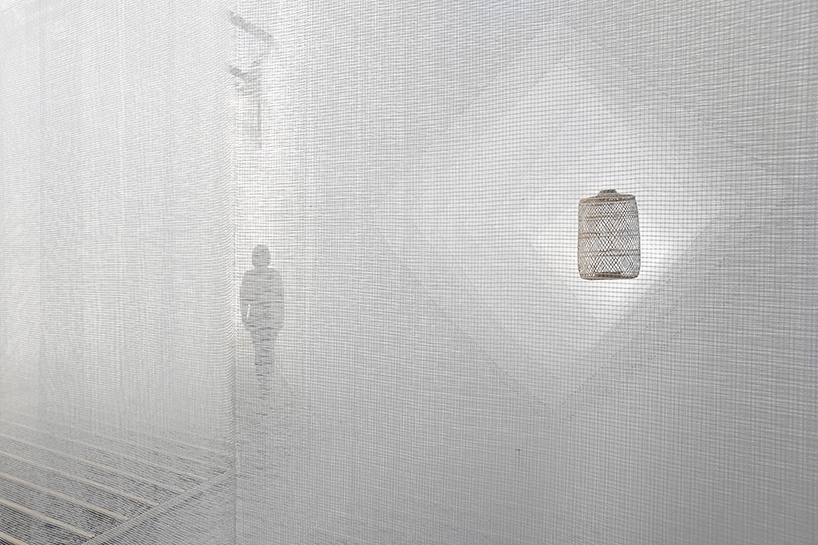 deve-build-architecture-the-fading-past-glass-fiber-net-installation-shenzhen-designboom-011.jpg