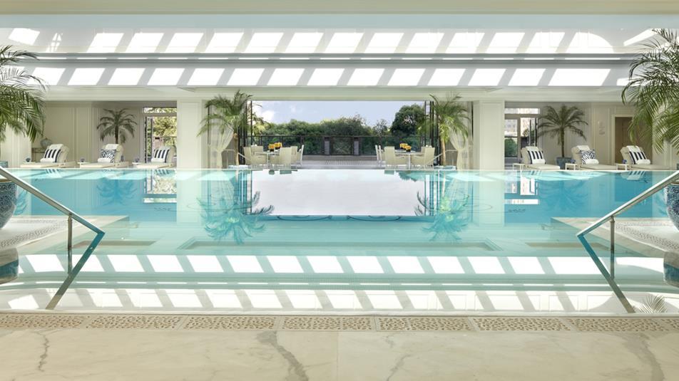 Peninsula-spa-swimming-pool-day.jpg