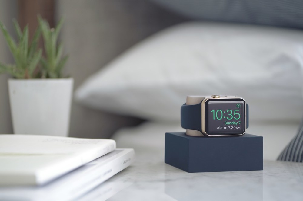 native-union-limited-edition-iphone-watch-dock-02.jpg
