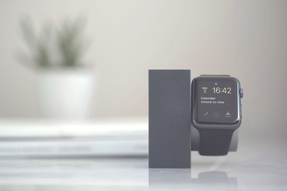 native-union-limited-edition-iphone-watch-dock-03.jpg