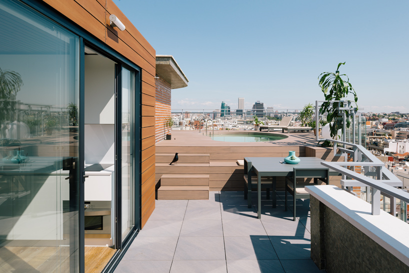 i-arquitectura-a-chalet-in-madrids-sky-apartment-thatsitmag-03.jpg