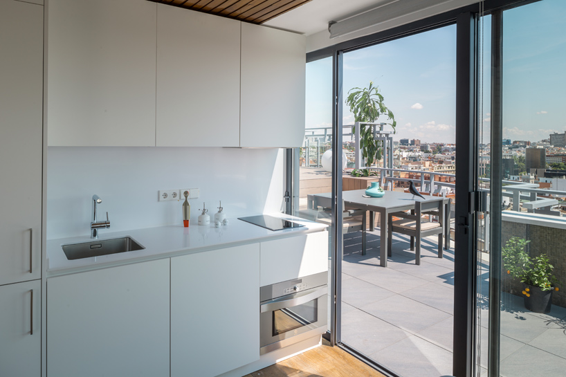 i-arquitectura-a-chalet-in-madrids-sky-apartment-thatsitmag-05.jpg