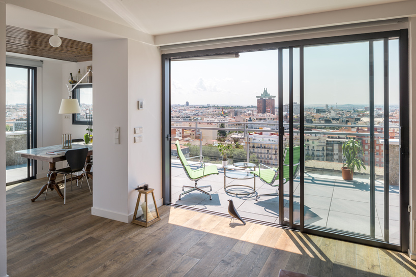 i-arquitectura-a-chalet-in-madrids-sky-apartment-thatsitmag-06.jpg