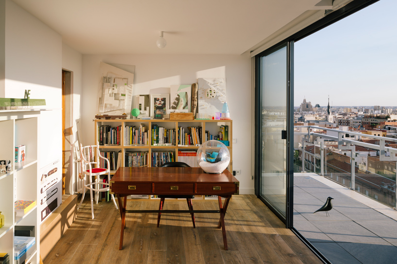 i-arquitectura-a-chalet-in-madrids-sky-apartment-thatsitmag-07.jpg