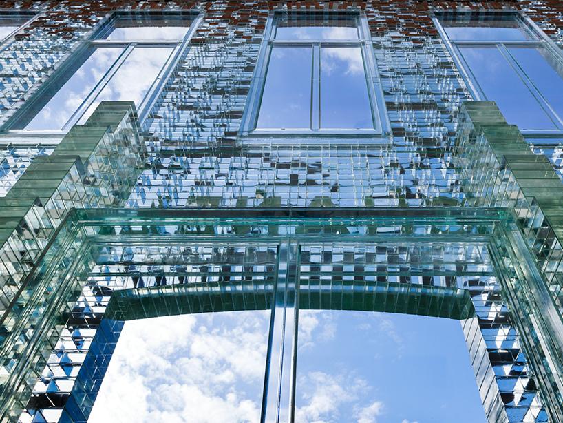 MVRDV-crystal-houses-amsterdam-chanel-flagship-store-glass-facade-thatsitmag-04.jpg